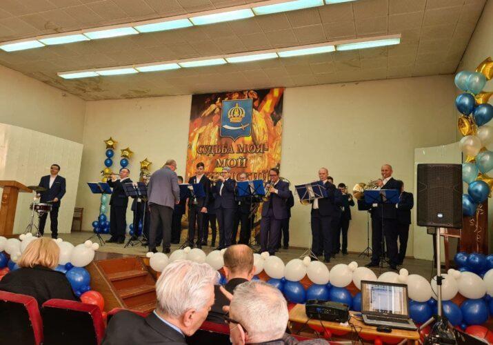В Астрахани отмечают 75-летие Ленинского района.